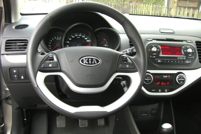 display picanto Der Kia Picanto 1,2 l im Test