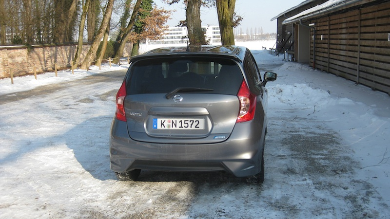 note heck1  Nissan Note 1.2 DIG S im Test